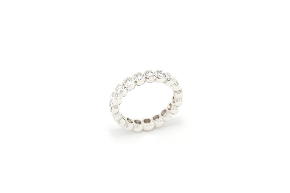 Alliance torsadée or blanc et diamants tour complet 3