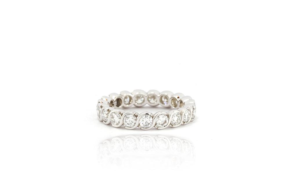 Alliance torsadée or blanc et diamants tour complet 7