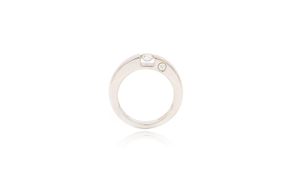 Bague de fiançailles - Solitaire épuré or gris et diamants