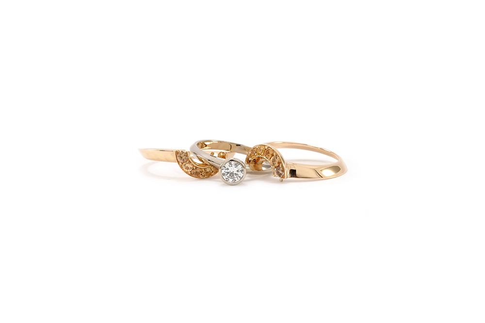 Solitaire modulé - Or blanc, or rouge, Diamant et Grenats 3