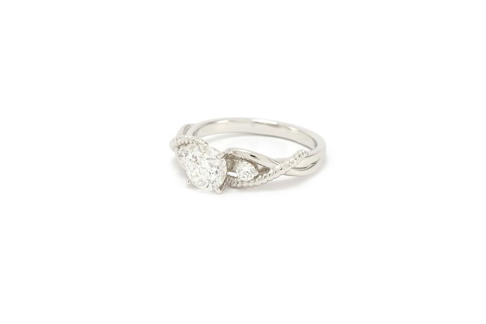 Solitaire Tressé Diamants et or blanc