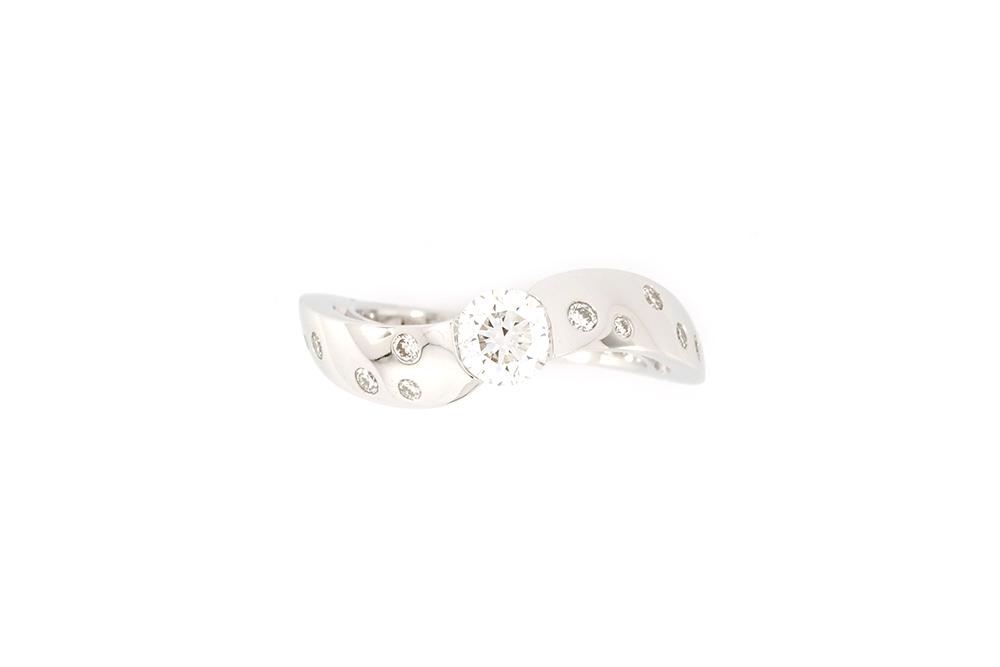 Bague Twist - Or blanc et Diamants 3