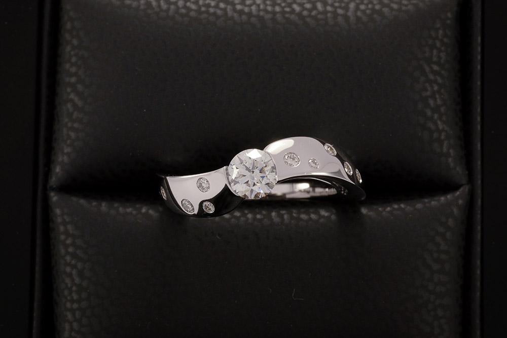 Bague Twist - Or blanc et Diamants 4