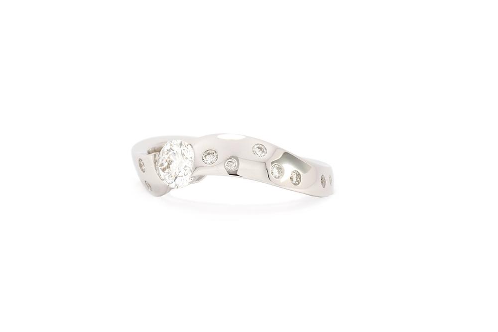 Bague Twist - Or blanc et Diamants