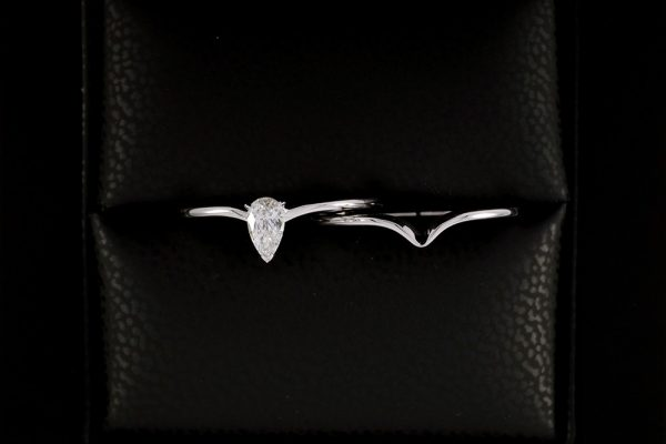 """Bague """"Nous Deux"""" - Diamant Poire et Or blanc 4"""