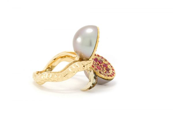 Bague Dionéas - Saphirs, Rubis et Perle de Tahiti - Or blanc et jaune 4