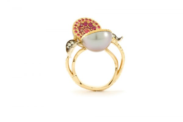 Bague Dionéas - Saphirs, Rubis et Perle de Tahiti - Or blanc et jaune 7