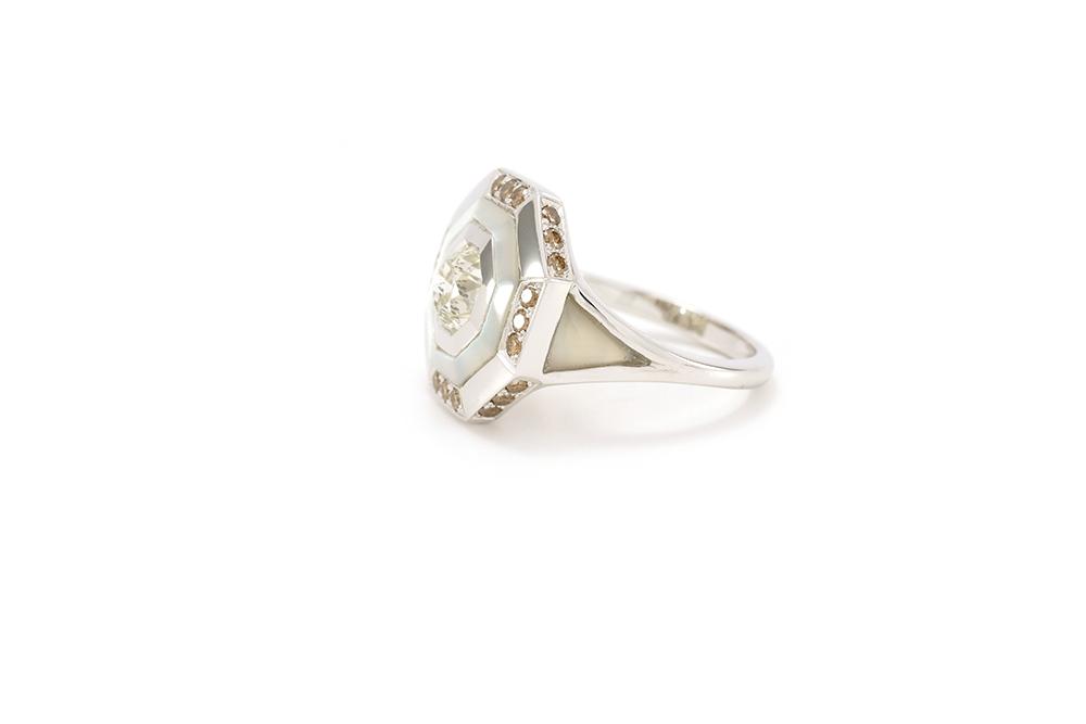 Bague Palais des Glaces - Or blanc, nacre et diamants - 2