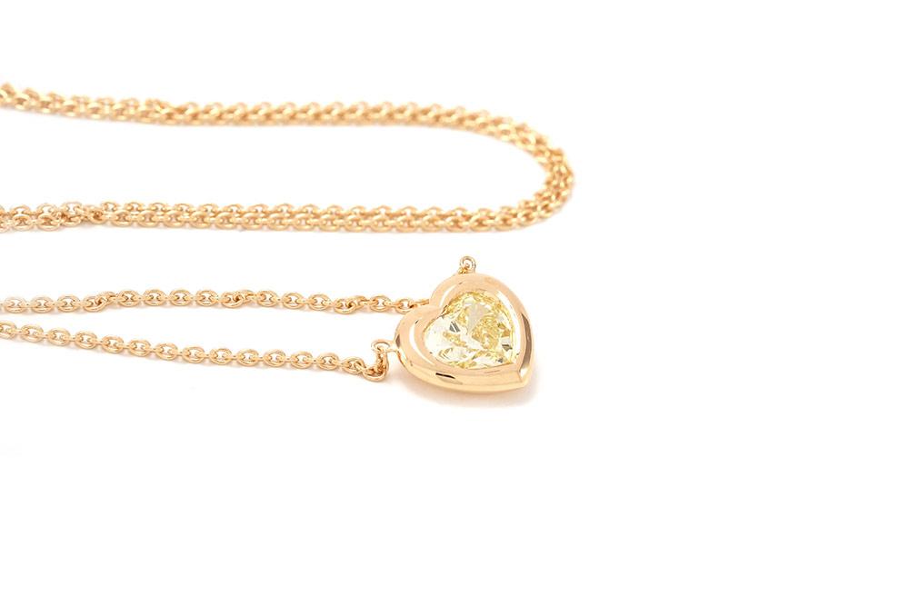 Pendentif Love - Or Jaune et Diamant Jaune 3