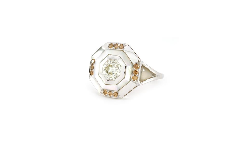 Bague Palais des Glaces - Or blanc, nacre et diamants - 6