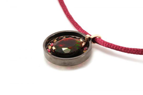 Pendentif Divinité - Opale et argent 4