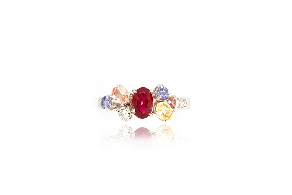 Bague Artémis - or blanc, rubis, saphirs et diamants 2