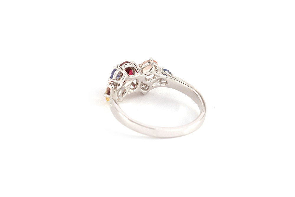 Bague Artémis - or blanc, rubis, saphirs et diamants 4