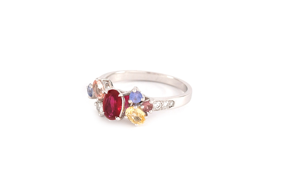 Bague Artémis - or blanc, rubis, saphirs et diamants 6