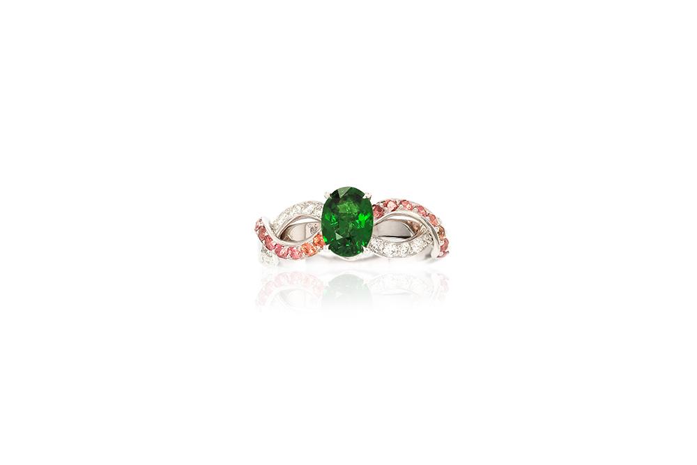 Solitaire Chlorophylle - Or blanc, Tsavorites, saphirs et diamants 1