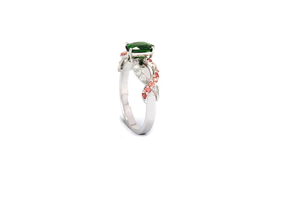 Solitaire Chlorophylle - Or blanc, Tsavorites, saphirs et diamants 3