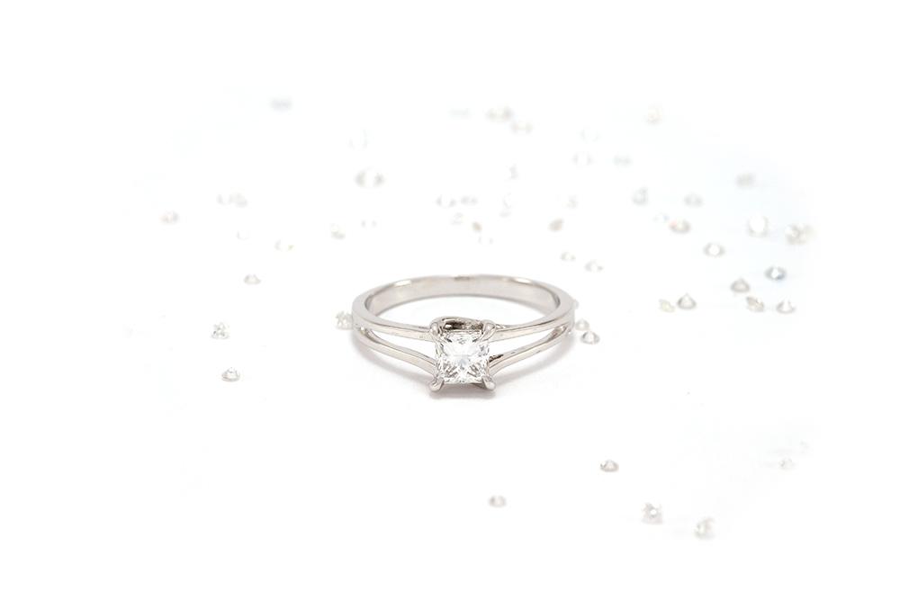 Solitaire Elyseum - Diamant Princesse et Or 18k