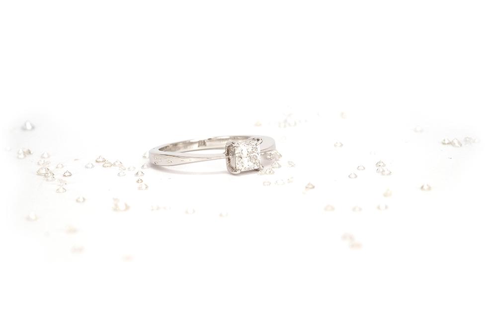Solitaire Princesse - Or Blanc et Diamant Princesse 1
