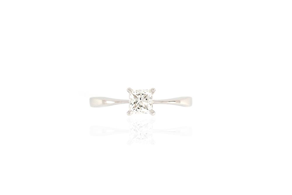 Solitaire Princesse - Or Blanc et Diamant Princesse 2