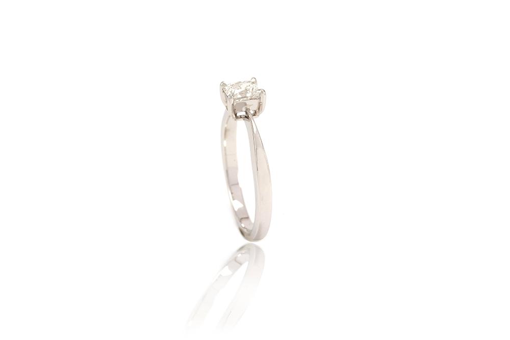 Solitaire Princesse - Or Blanc et Diamant Princesse 3