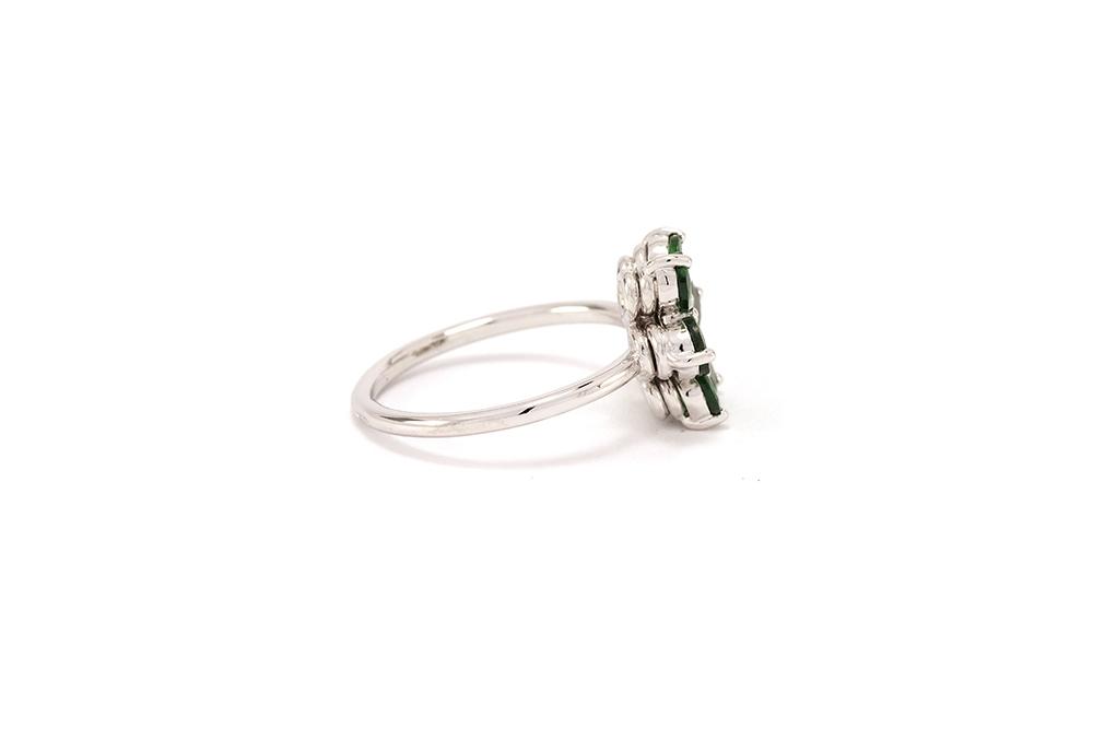 Bague Lucky Charm, Tsavorites et diamant sur or blanc 2