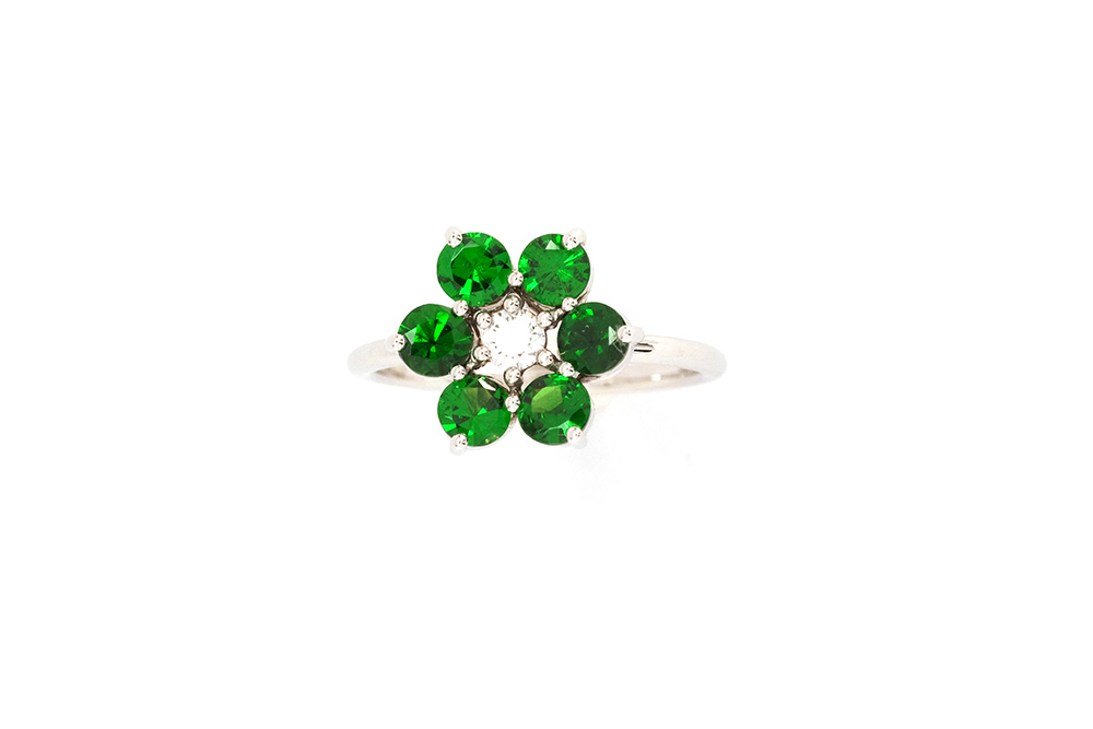 Bague Lucky Charm, Tsavorites et diamant sur or blanc 5
