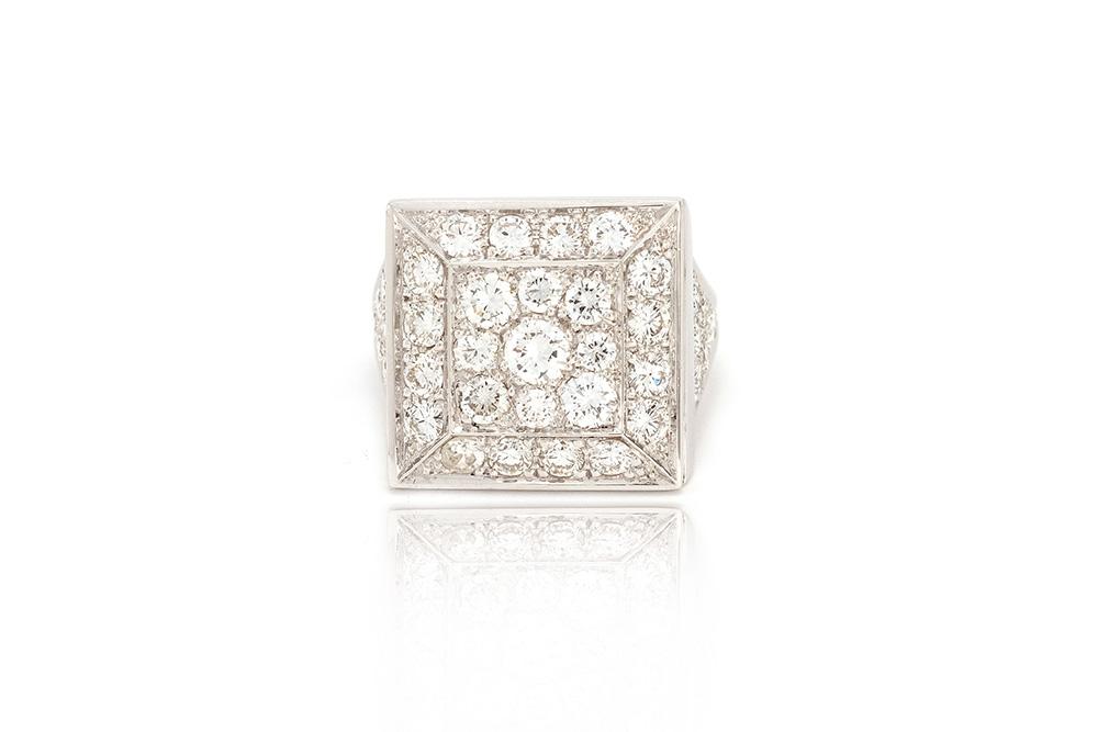 Bague Art de Vivre, or blanc et diamants 1