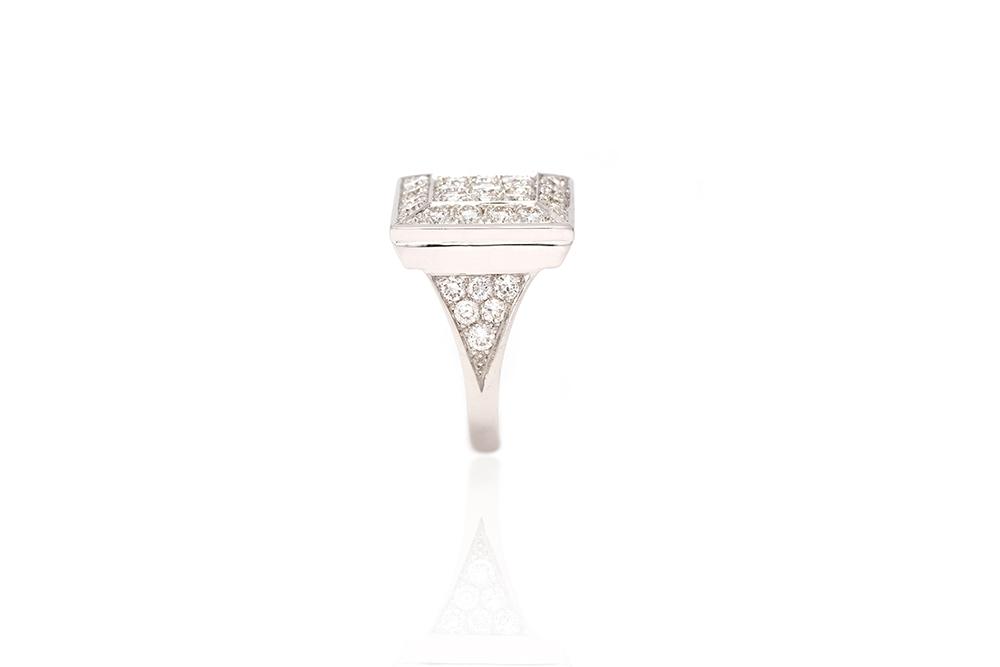 Bague Art de Vivre, or blanc et diamants 3