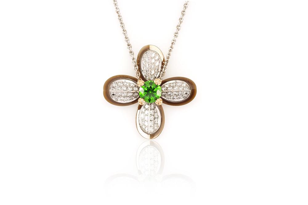 Pendentif Floraison, Or blanc et Jaune, Grenat Démentoïde et Diamants 2