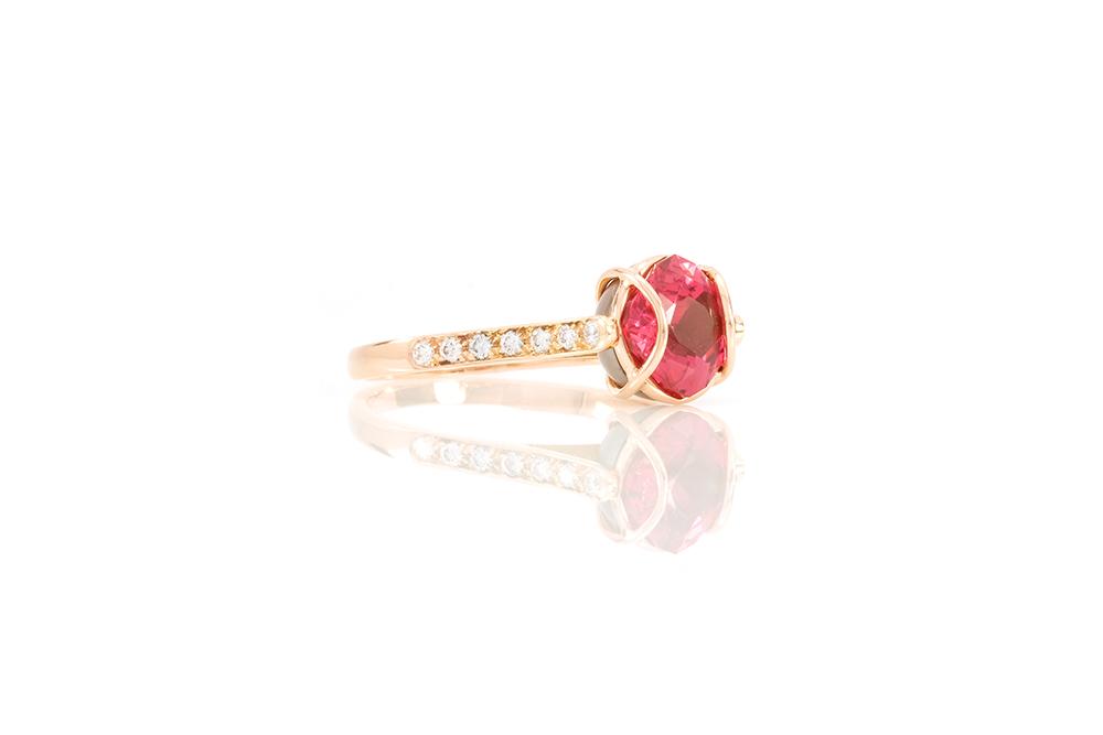 Bague Elipse, or rouge, diamants, perle et rubellite 2