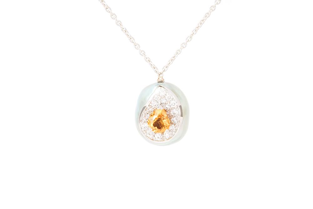 Pendentif Larme, or balnc, perle baroque, diamants et saphir orange 1