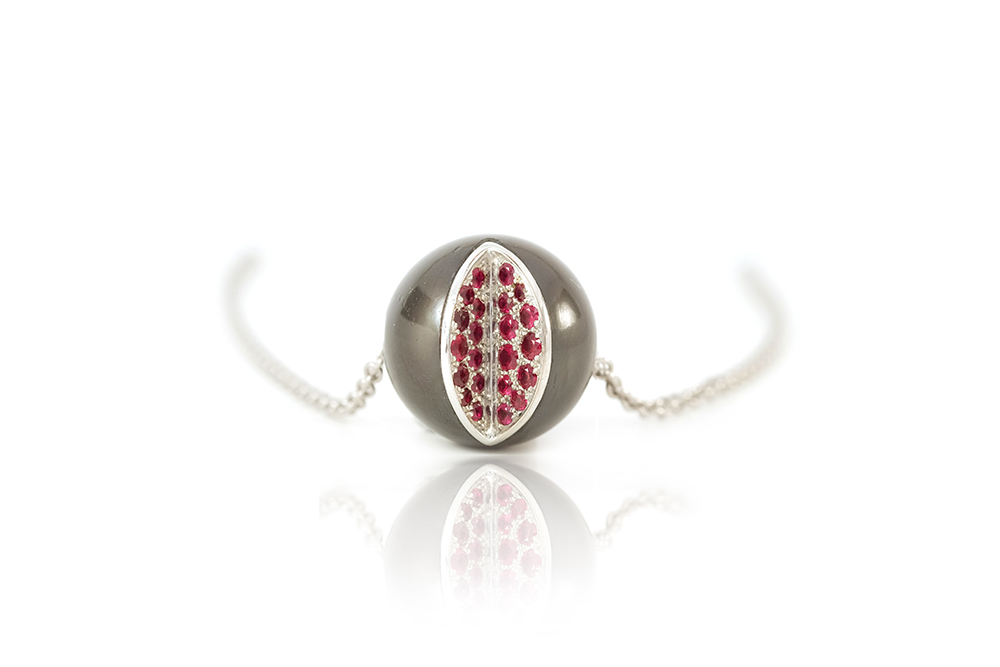 Pendentif WY, Or blanc rubis et perle de Tahiti 3