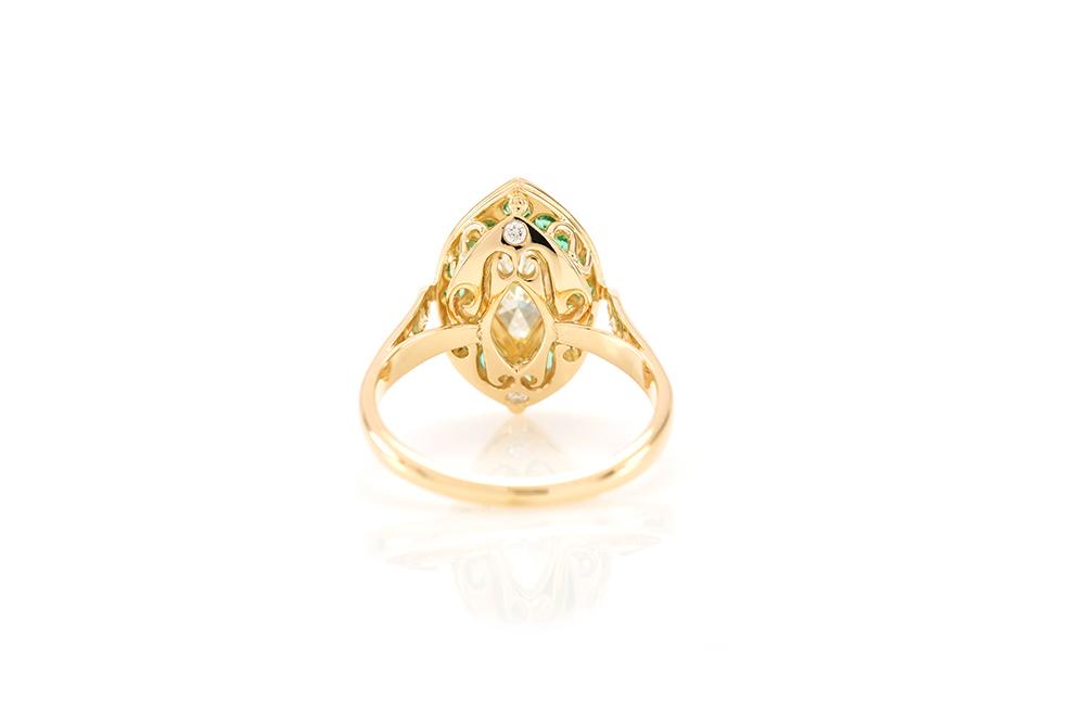 Bague Promesse, Or jaune 18k, Diamants et Émeraudes 4