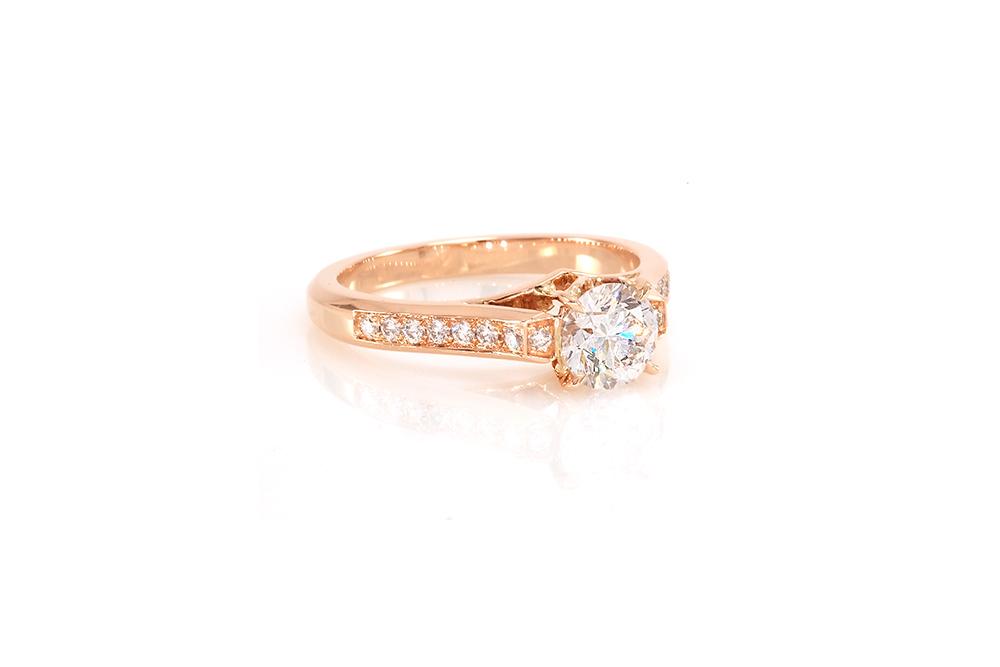 Solitaire Destin, or rouge et diamants 4