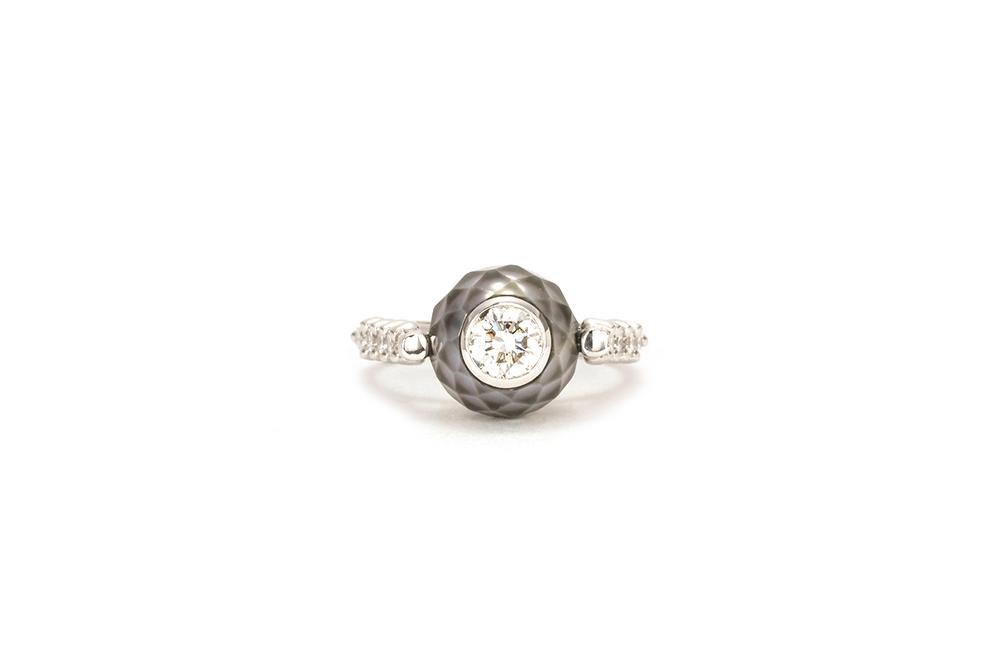 Solitaire Myriade, or, perle et diamants 3